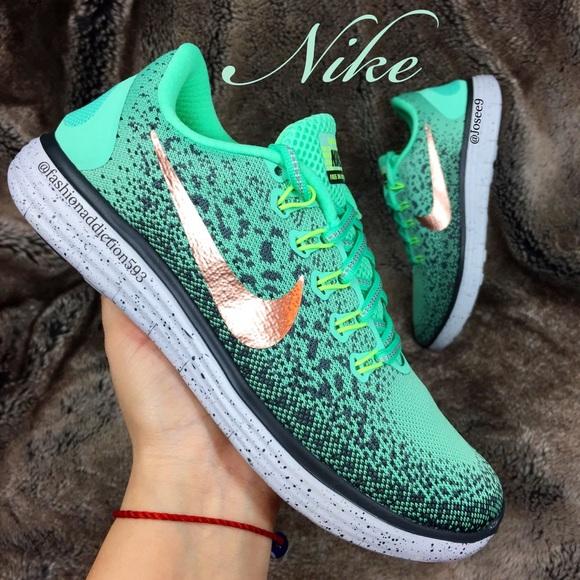 Zapatos Nike Aqua Free Rn Distancia Mujeres Aqua Nike Rose Gold Poshmark 9f0625